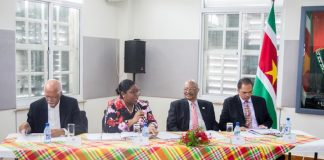 Werkbespreking ministerie van BuZa met Honorair Consuls in Suriname