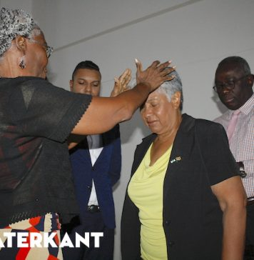 Lilian Ferrier neemt ministerie over van Robert Peneux