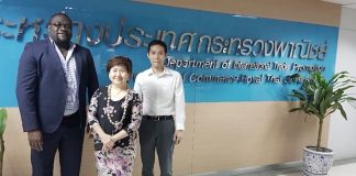 Honorair Consul Pansa op bezoek in Thailand