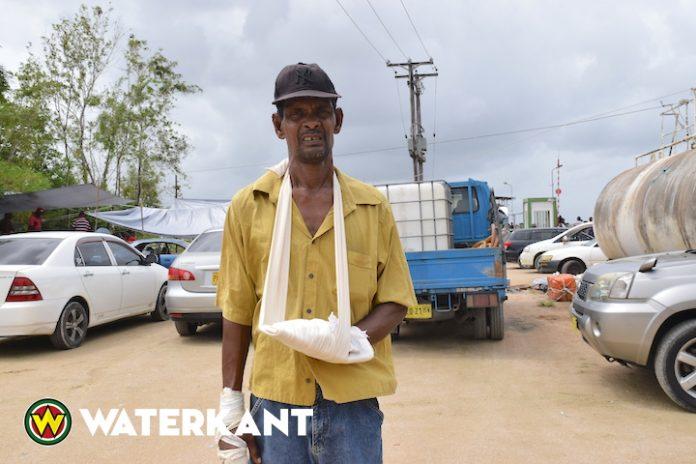 Deze visser overleefde de aanval van zeerovers in Suriname