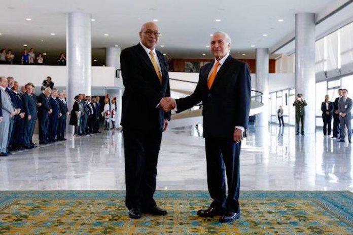 Presidenten Suriname en Brazilië ontmoeten elkaar