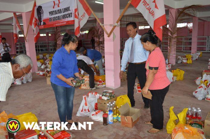 Levensmiddelenpakketten voor moskeeën i.v.m. Ramadan in Suriname