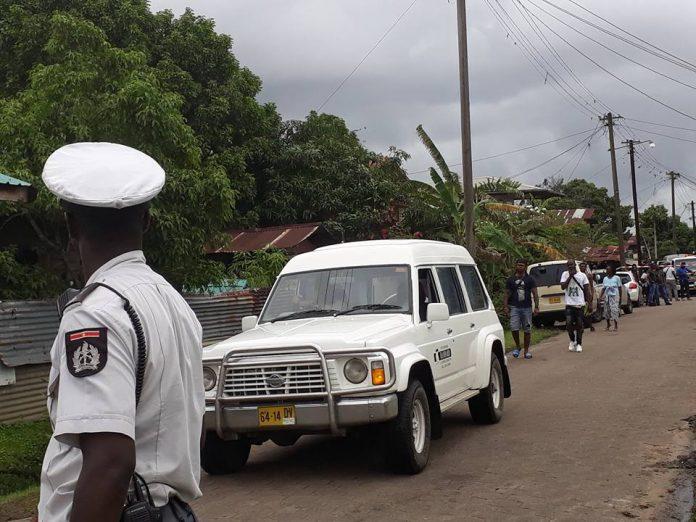 Politie Suriname pakt fotograaf op en wist foto's