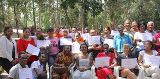 Uitreiking certificaten voor basisopleiding Vakbeweging in Suriname