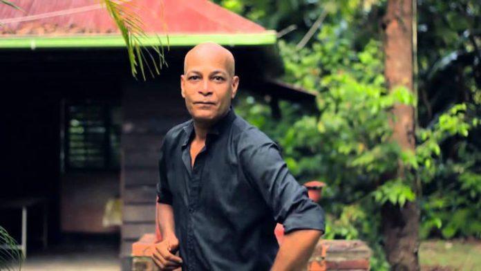 Zanger Joey van Riessen (59) in Suriname overleden