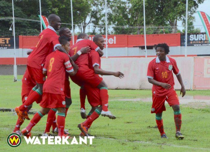 Voetbalcompetities Suriname stopgezet, toenemend geweld tegen scheidsrechters