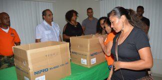 Nabestaanden slachtoffers zeeroof Suriname krijgen donaties