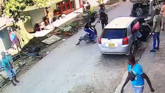 Bewakingscamera legt ernstige kappartij in Suriname vast