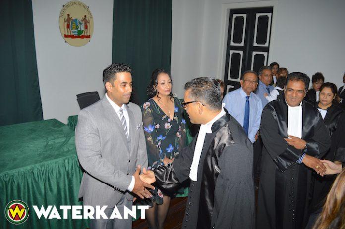 Manav Kanhai beëdigd als twintigste notaris in Suriname
