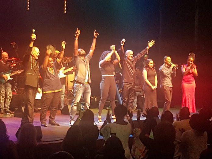 Suritoppers strijken neer in Rotterdam: zondag 10 juni in Luxor Theater