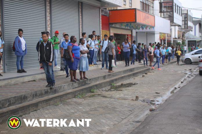 Publiek dupe van conflict tussen bushouders en overheid Suriname