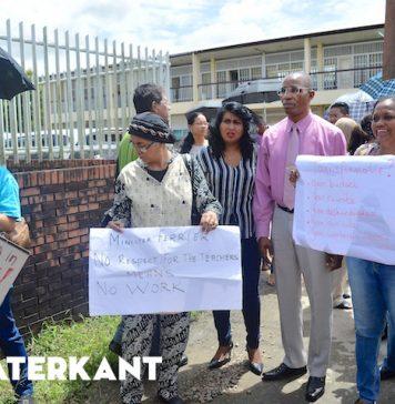 Ex-minister Edward Belfort steunt actie onderwijzers Suriname