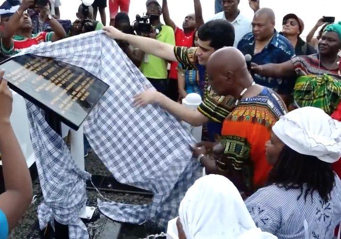 Nieuw monument in Suriname voor aankomst slaven vanuit zee op land