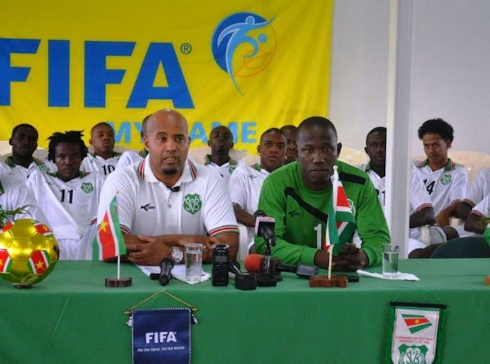 Nationale voetbalselectie van Suriname naar Nederland