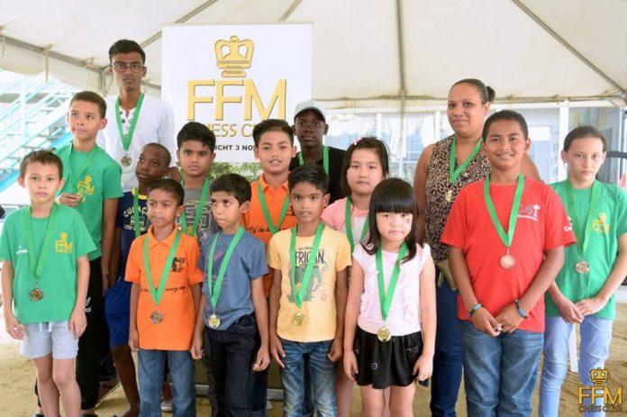 Elise Wu winnaar beginners schaaktoernooi in Suriname