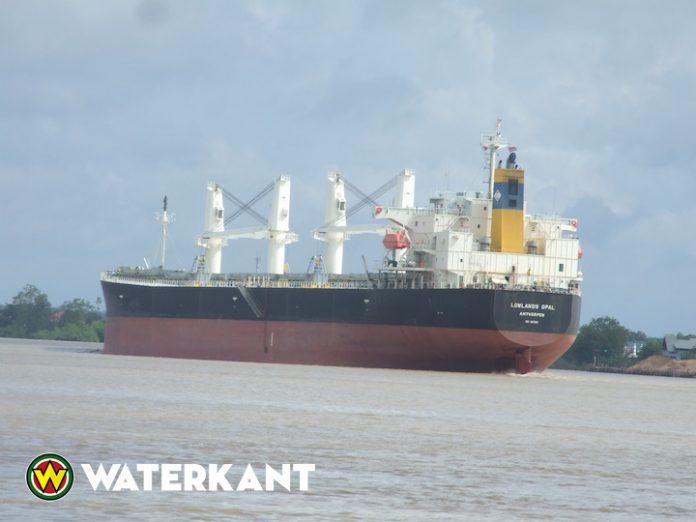 Uitbaggeren vaargeul Surinamerivier kan voor veel minder geld