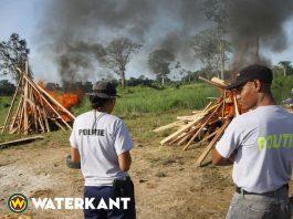 Journalisten na jaren weer getuige van vernietigen drugs door OM Suriname