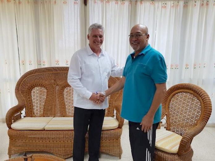Cubaanse president bezoekt president Suriname in het ziekenhuis