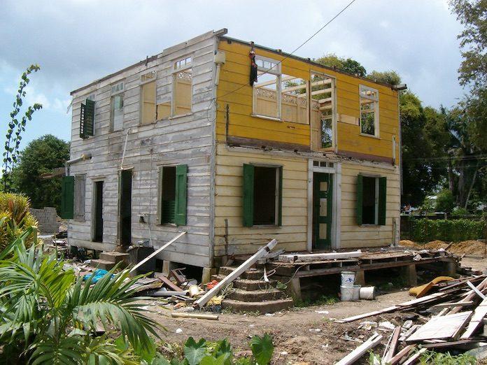 Lezing over (verdwenen) houten volkswoningen in Suriname