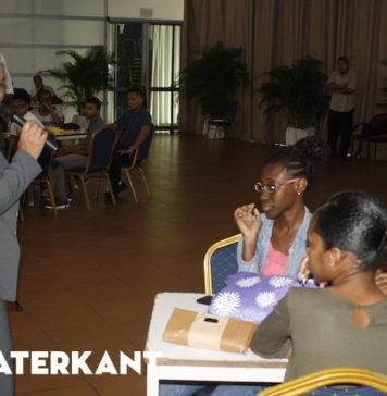 Motivatie lessen voor gezakte studenten in Suriname