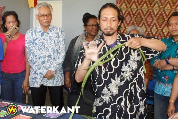 Twee kunstexperts uit Indonesië op bezoek in Suriname
