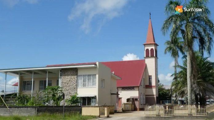 Accu dieven in Suriname met de dag brutaler: dietsfal bij kerk