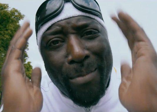 'Ik wil een blanke zijn' zegt Def Rhymz in nieuwe videoclip