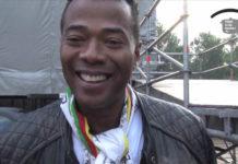 Maikel Deira van Aptijt in Suriname aangevallen door man met hamer