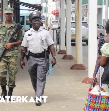 Verhogen zichtbaarheid politie om criminaliteit Suriname in te dammen