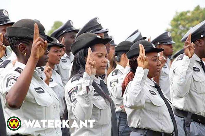 Nieuwe loonreeks voor politieagenten in Suriname vanaf oktober