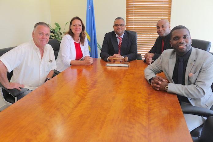 Informatiebijeenkomst in Aruba over zakendoen met Suriname
