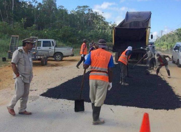 Commissariaat Saramacca: 'Er is niet op zand geasfalteerd'