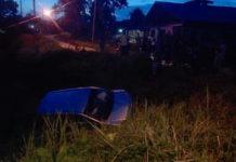Eenzijdig auto ongeluk Bomaweg: voertuig in de goot