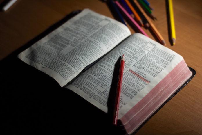 Diploma uitreiking grootste theologische opleiding in Suriname