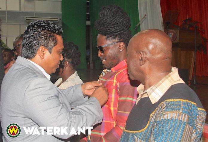 Lintje voor Prince Koloni vanwege Dag der Marrons in Suriname