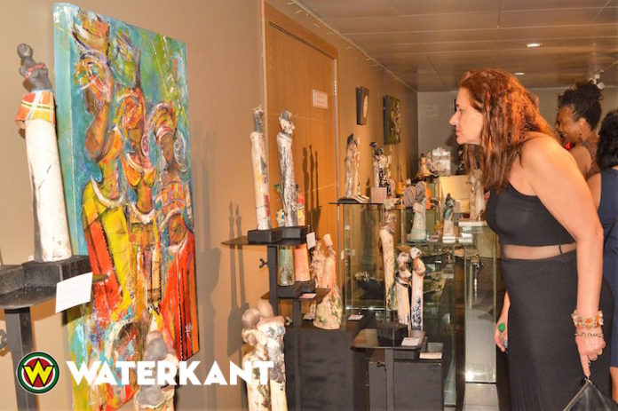 Opening 53ste Nationale Kunstbeurs in Suriname