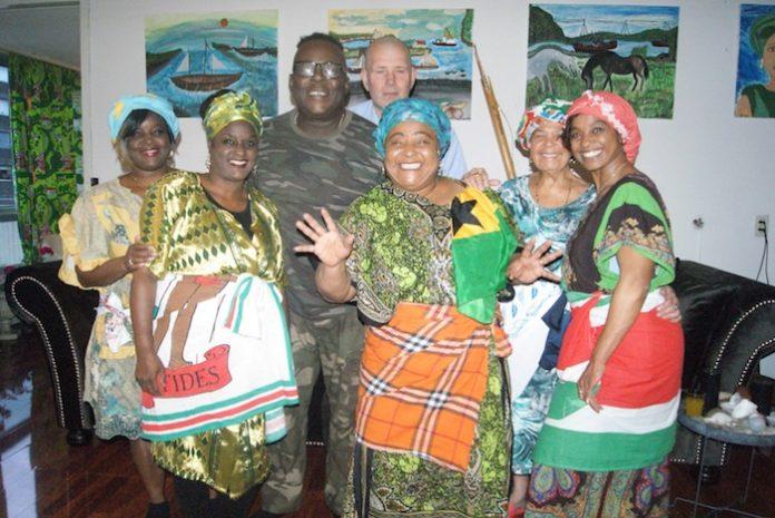 Toneelstuk 'Bigi Gridi' stipt huidige goudrun in Suriname aan