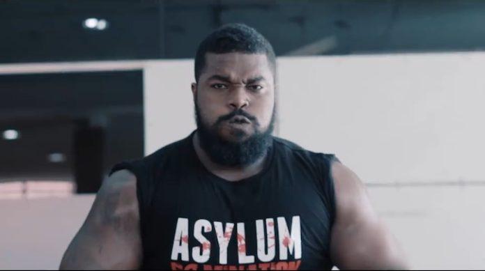 Powerliftingkampioen uit Suriname klaar voor WWE-try-out in Chili