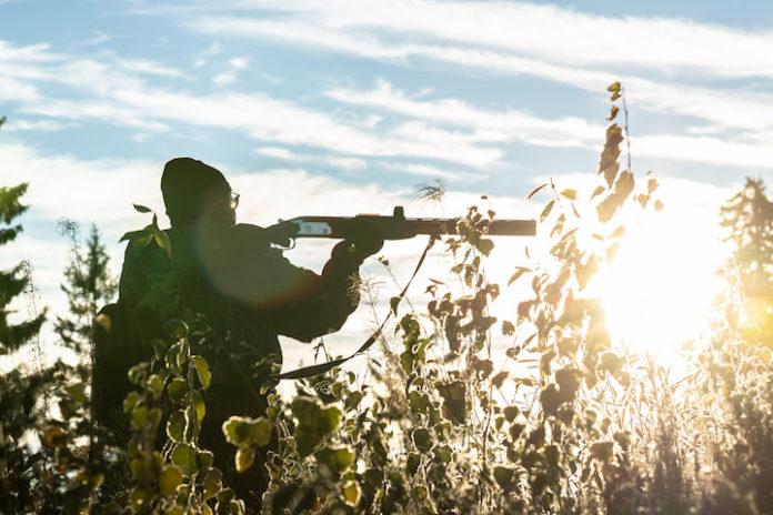Jager in Suriname ziet man aan voor vogel en schiet hem dood