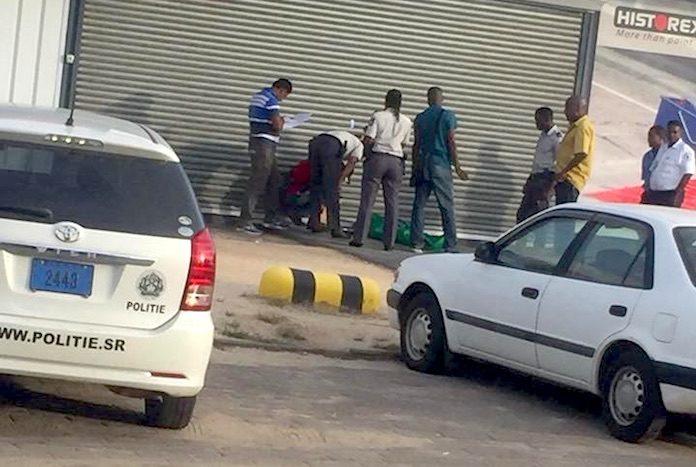 Man zakt in elkaar en overlijdt na bezoek aan markt in Suriname