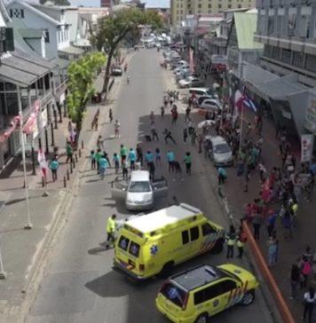 Flashmob voor film 'Wiren the Movie' in hoofdstad van Suriname