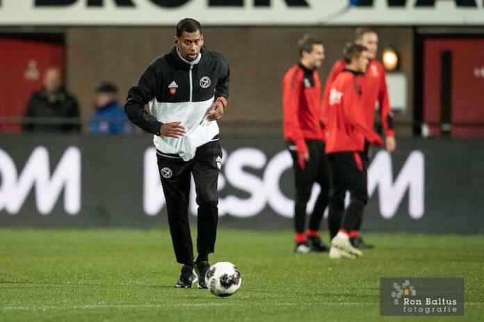 Jack Mangalie maakt debuut met Almere City FC in het betaald voetbal