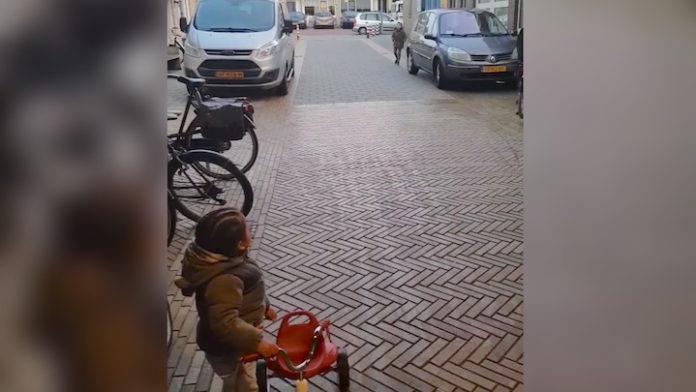 Vrouw wiens kindje wordt uitgemaakt voor 'Zwarte Piet' krijgt veel bijval op Facebook