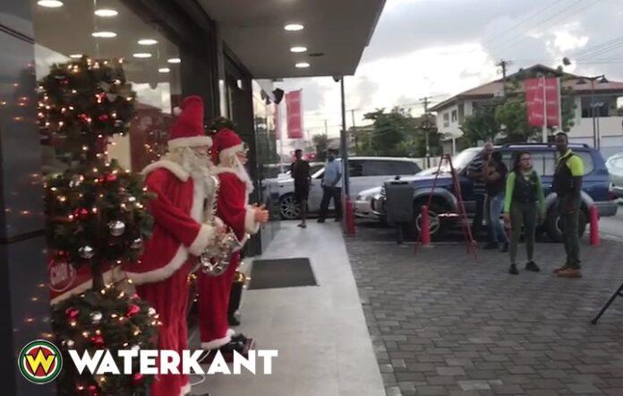VIDEO: Ook in Suriname zit de Kerst stemming er al goed in
