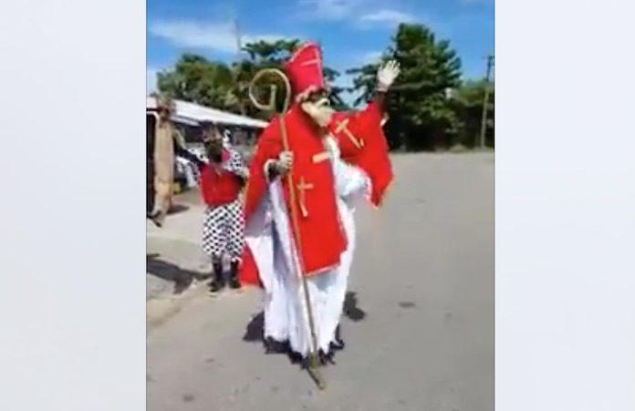 VIDEO: Sinterklaas gaat los in Suriname