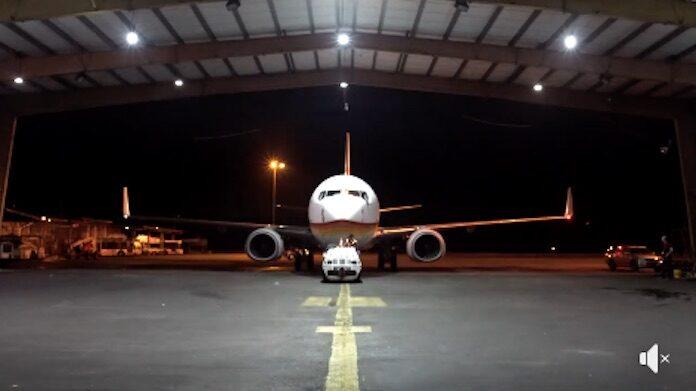 VIDEO: Tweede B737-700 van de SLM aangekomen in Suriname