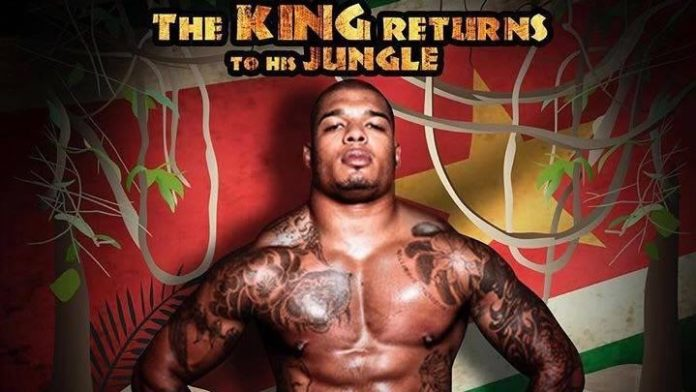 Tyrone Spong vecht op 21 december in Suriname