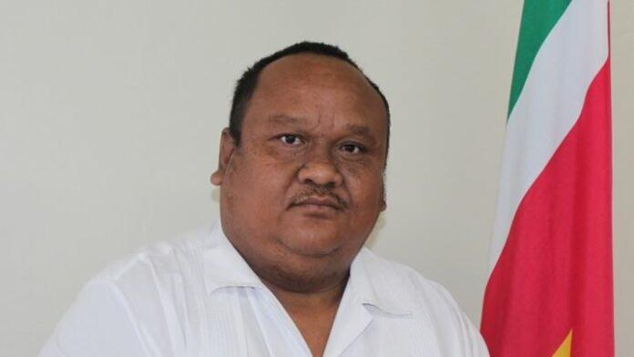 Directeur LVV Suriname per direct op non-actief vanwege toestemming aan Chinese hektrawlers