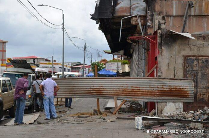Overheid Suriname onderneemt actie na bericht over instortingsgevaar gebouw Tulipani