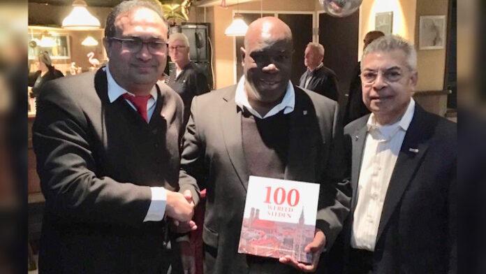 Rotterdamse 4 Leeuwenspeld voor Ronald Bijnaar vanwege projecten in Suriname